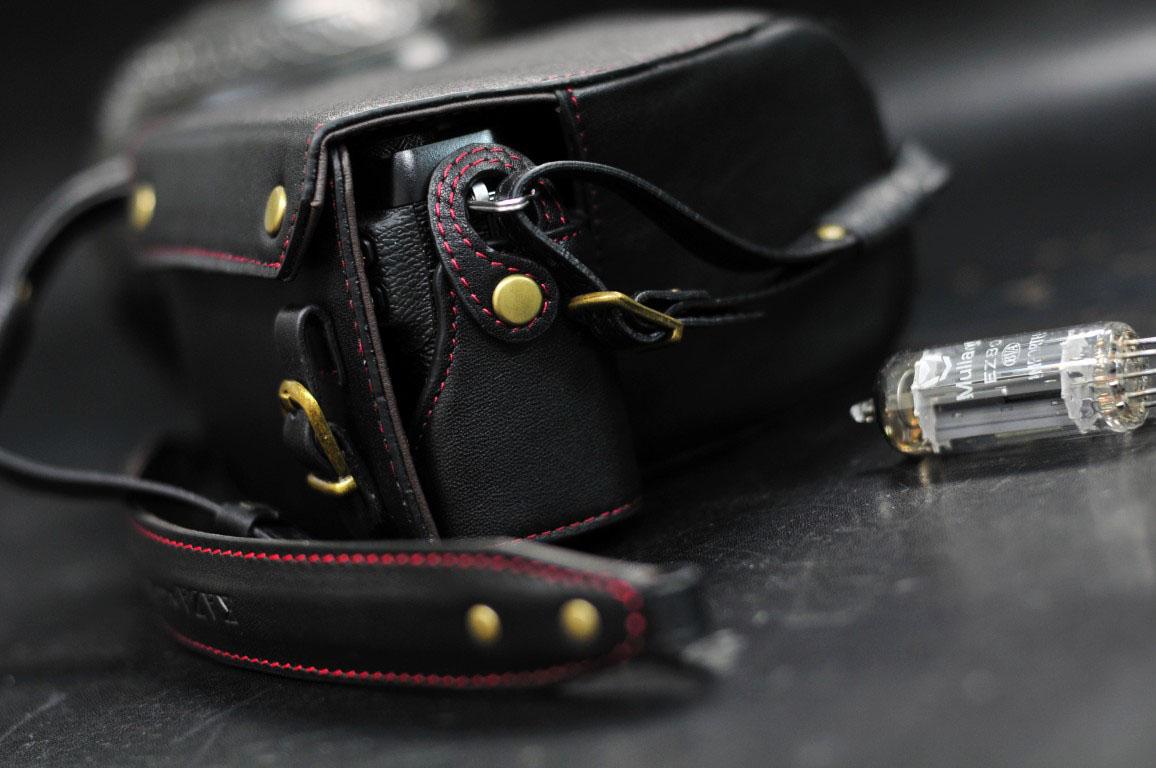富士xe3 用カメラケース Fujifilm XE3 相機皮套 Leather half case by KAZA