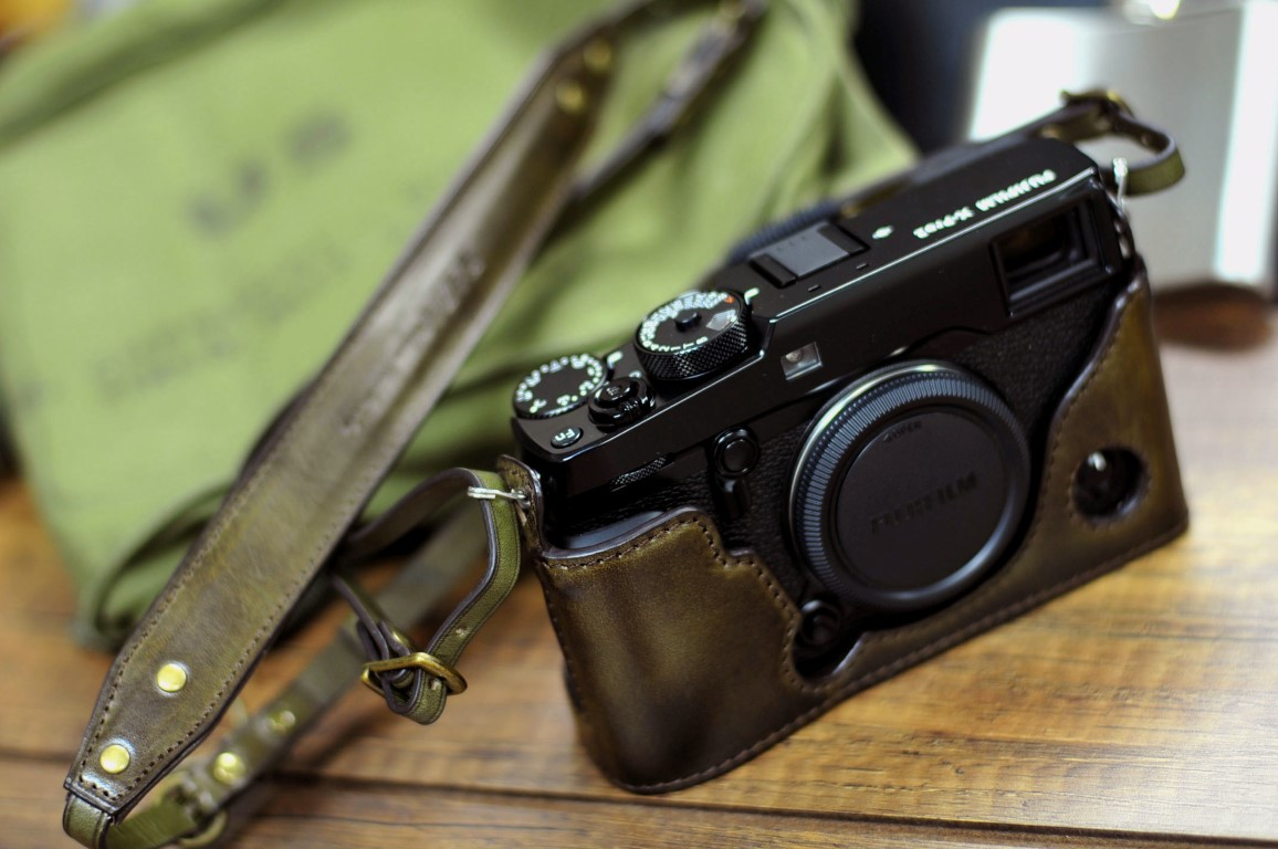 Leather case half case 富士 Xpro2 用カメラケース Fujifilm Xpro2 相機皮套 by KAZA