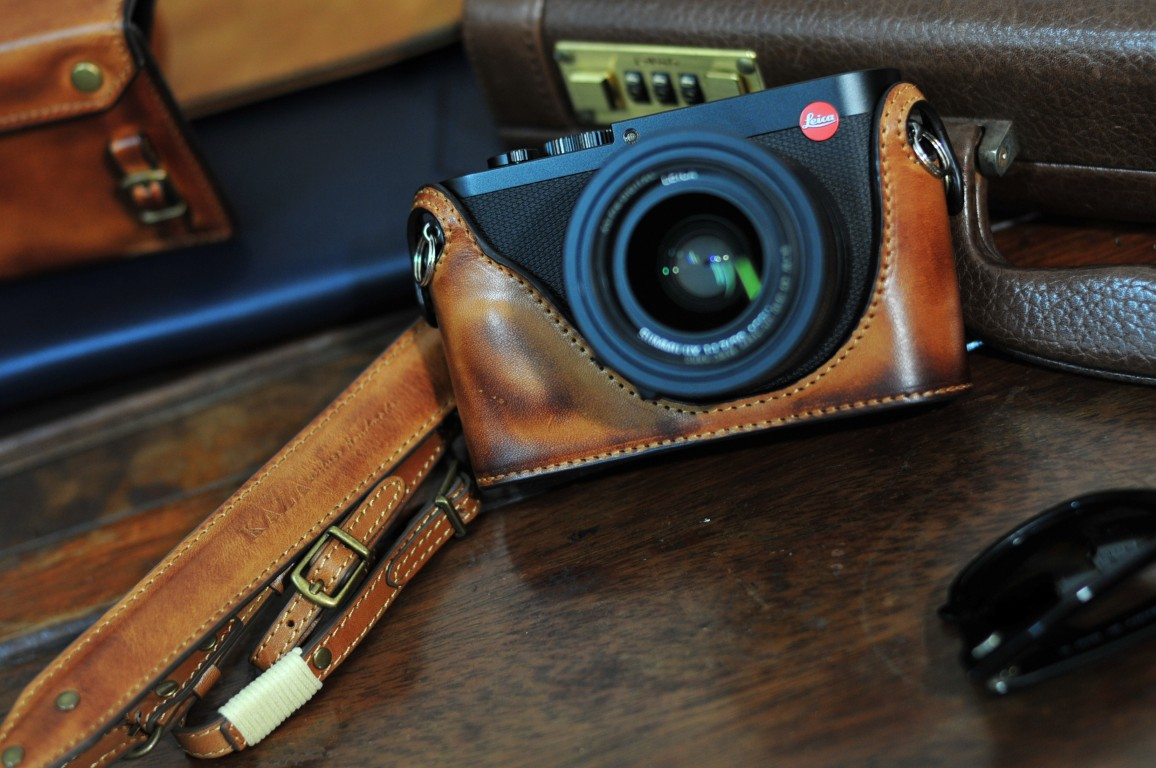 ライカ Q 用カメラケース Leica Q 相機皮套 Leica Q Leather case by KAZA