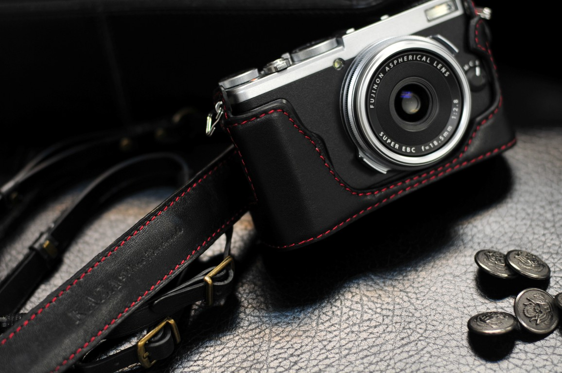 Leather case half case 富士 X70 用カメラケース Fujifilm X70 相機皮套 by KAZA