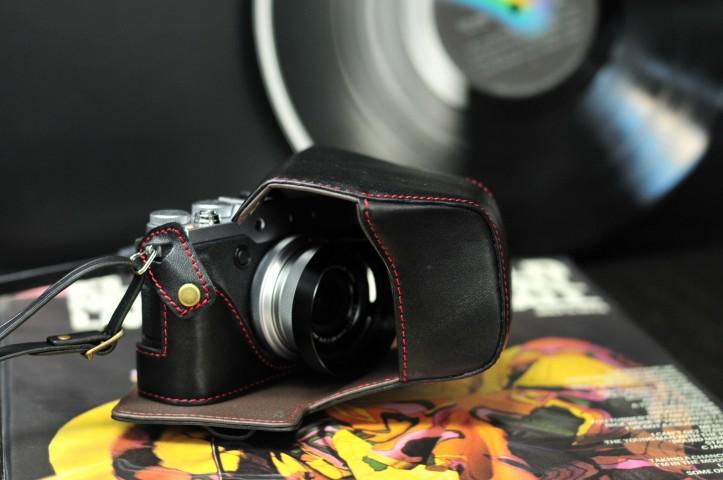 Half case Leather case 富士 X30 用カメラケース Fujifilm X30 相機皮套 by KAZA