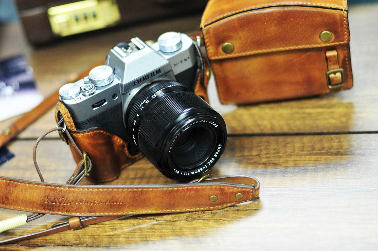 half case Leather case 富士XT10 用カメラケース Fujifilm XT10 相機皮套 by KAZA