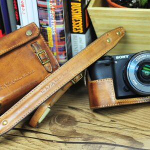 SONY A6300 相機皮套 Leather half case / case set ソニー A6300 用カメラケース by KAZA